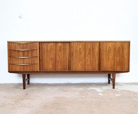 Sideboard in rosewood by EW Bach for Sejling Skabe