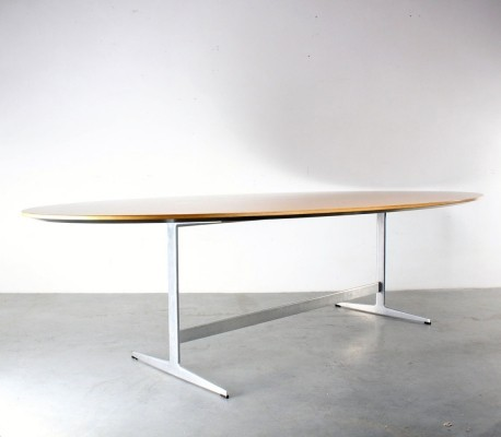 Shaker oval dining table by Arne Jacobsen for Fritz Hansen, 1960s