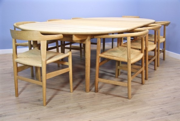 Danish dining set in soaped oak by Hans J Wegner for Carl Hansen, 1960s