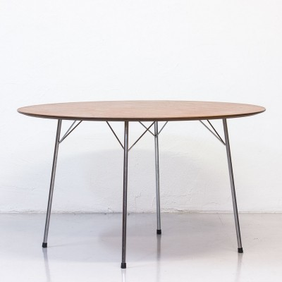 Model 3600 dining table by Arne Jacobsen for Fritz Hansen, 1960s