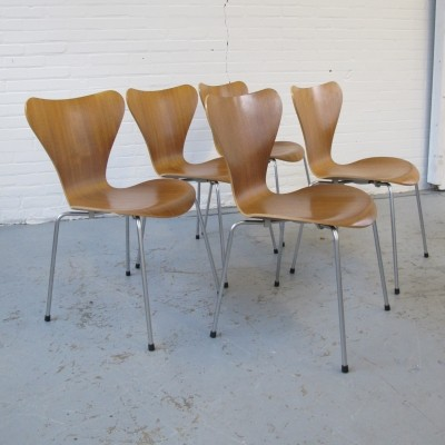 Charming 5 X Butterfly Dinner Chair By Arne Jacobsen For Fritz Hansen, 1990s Photo