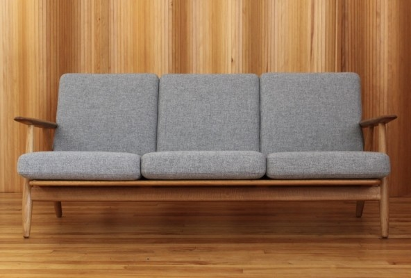 GE240/3 'Cigar' sofa by Hans Wegner for Getama, 1950s