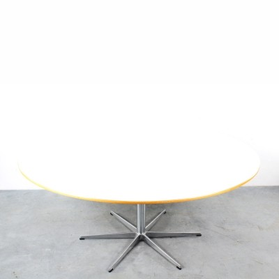 4 x Round dining table by Arne Jacobsen for Fritz Hansen, 1960s
