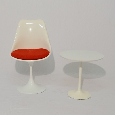 Tulip chair with small table, 1960s