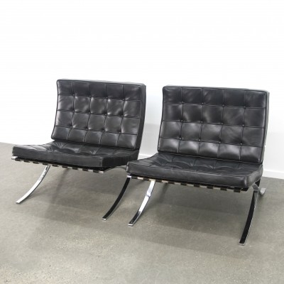 2 x Barcelona lounge chair by Ludwig Mies van der Rohe for Knoll International, 1990s