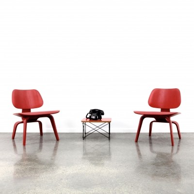 2 x Eames LCW 'lounge chair wood' in red ash finish