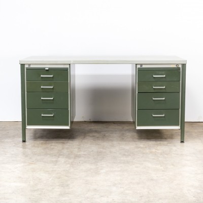 AZ Gisolar writing desk by André Cordemeyer for Gispen, 1960s
