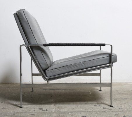 Elephant grey leather 'FK 6720' lounge chair by Fabricius & Kastholm for Kill International