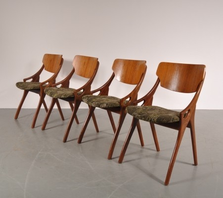 Set of 4 dining chairs by Arne Hovmand Olsen for Mogens Kold, 1950s