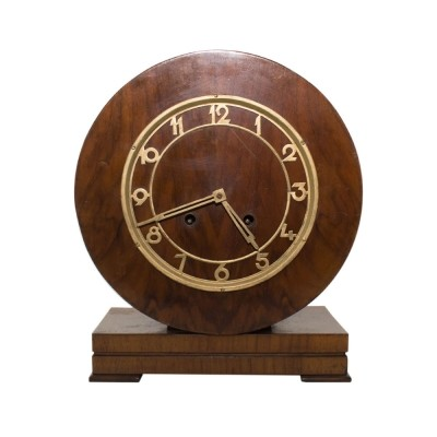 Art Deco mantel clock in wood case, 1930s