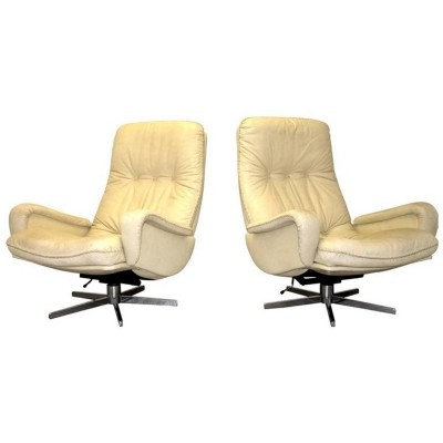 Pair of S-231 arm chairs by De Sede, 1960s