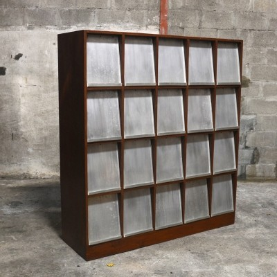 Very Rare Newspaper Bookcase by Pierre Jeanneret