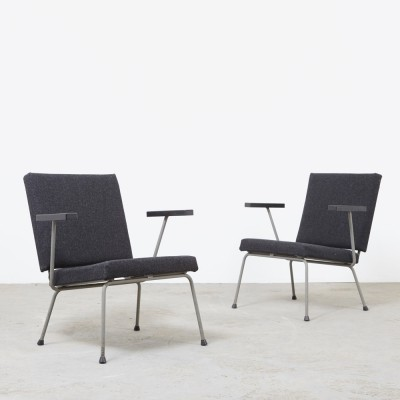 Pair of model 1401 lounge chairs by Wim Rietveld for Gispen, 1950s