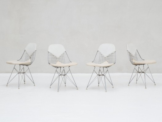 Set of 4 Wire chairs with leather by Charles & Ray Eames for Herman Miller, USA 1950s