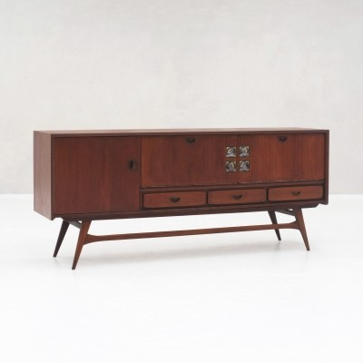 Sideboard in teak by Louis van Teeffelen for Wébé, ceramics by Jaap Ravelli