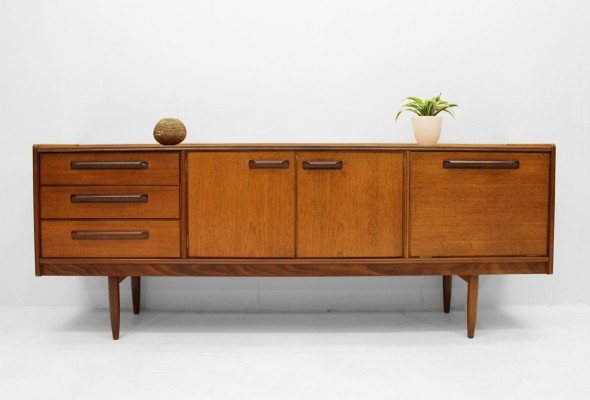 meredew furniture uk sideboard 1950s 75826. Black Bedroom Furniture Sets. Home Design Ideas