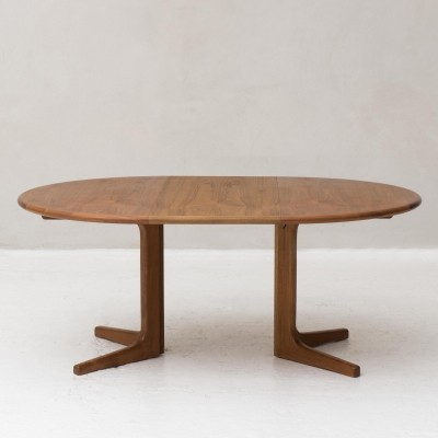 Extendable dining table made in Denmark, 1950s