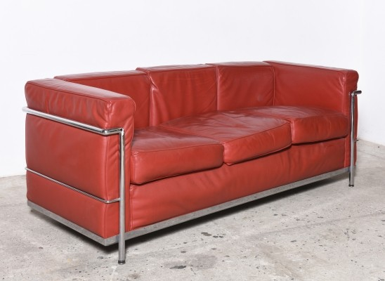 Red Leather LC2 sofa by Le Corbusier for Cassina, 1985