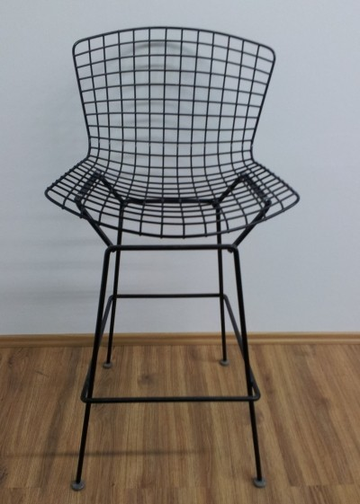 Pair of Harry Bertoia 'Model 420' Barstools in black with black cushions
