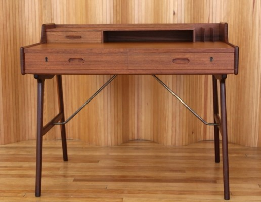 Model 56 writing desk by Arne Wahl Iversen for Vinde Møbelfabrik, 1960s