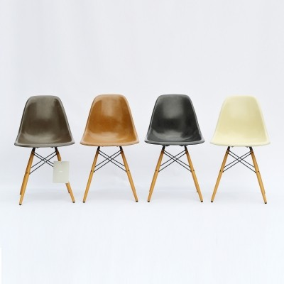 Set of 4 Eames DSW Dining Side Chairs, 1960s