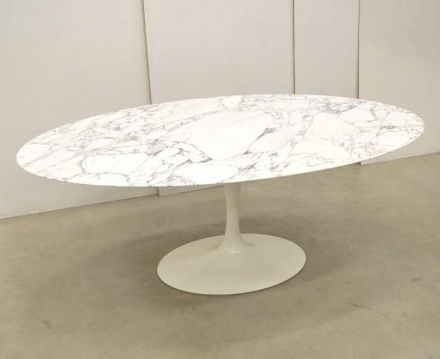 Oval Tulip dining table by Eero Saarinen for Knoll International, 1990s