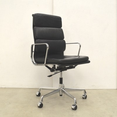 EA219 office chair by Charles & Ray Eames for Vitra, 1990s