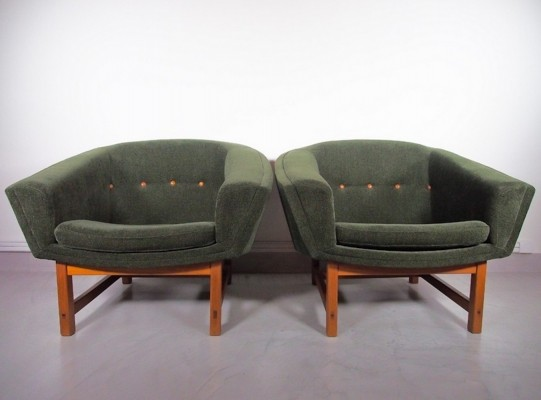 Pair of Corona Easy Chairs by Lennart Bender
