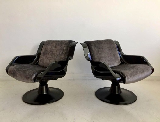 Pair of Yrjö Kukkapuro Swivel Lounge Chairs, Model 3814-1KF