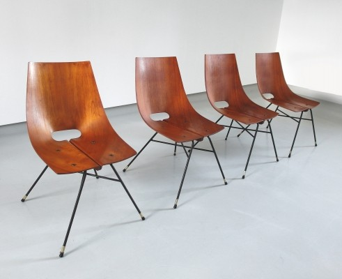 A rare edition of four very sleek dining chairs by Societa Compensati Curvati