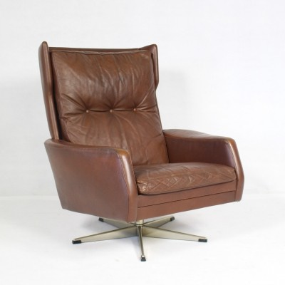 Braun Leather Swivel Chair with Star-Shaped Stand, 1970s