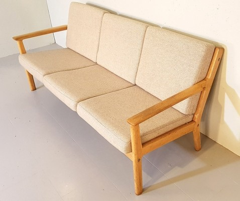 Sofa by Hans Wegner for Getama, 1960s