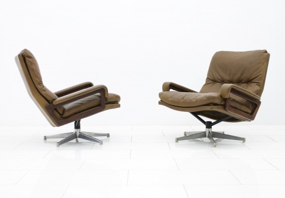 Pair of King lounge chairs by André Vandenbeuck for Strässle, 1960s