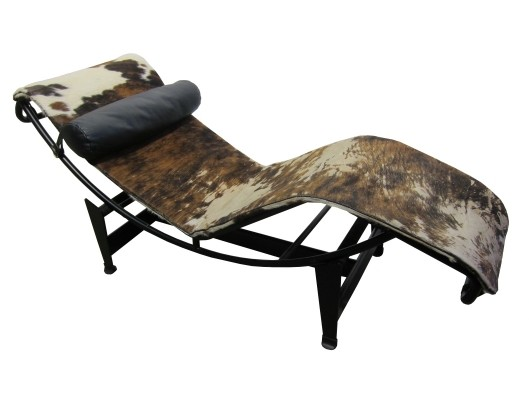 Vintage lc4 'chaise longue' in cowhide by Le Corbusier for Cassina, 1970s