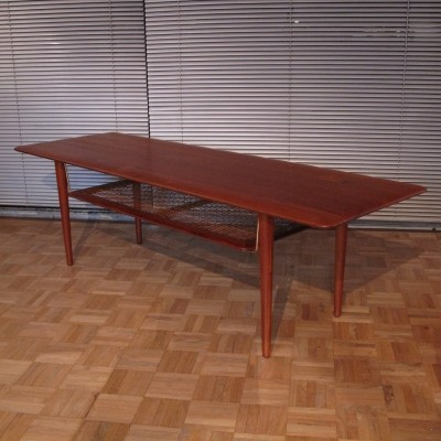 Rare First Edition 'Model 516' Solid Teak Coffee Table By Peter Hvidt, 1950s