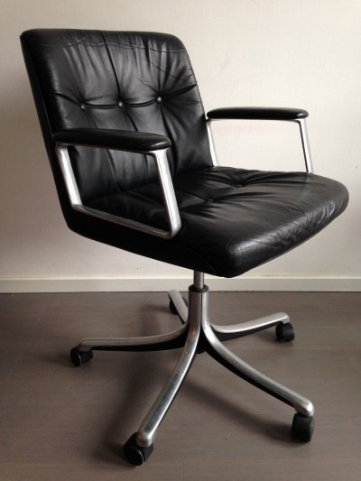 P128 office chair by Osvaldo Borsani for Tecno, 1960s