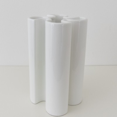 Model FB 6-B white ceramic vase by Franco Bettonica for Gabbianelli, 1970