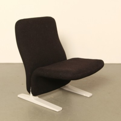 Artifort F780 Concorde easy chair by Pierre Paulin in black wool