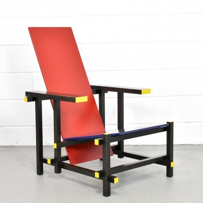 635 Red And Blue lounge chair by Gerrit Rietveld for Cassina, 1990s