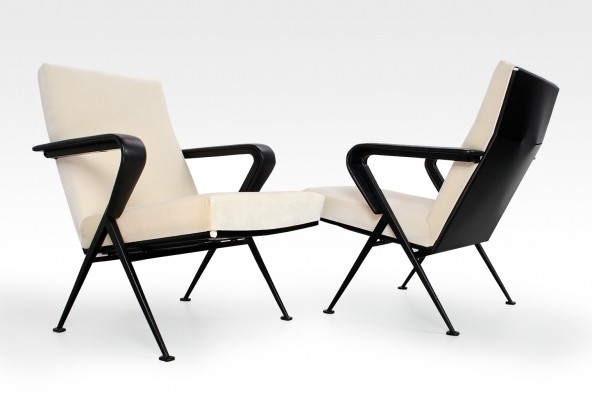 2 x Repose lounge chair by Friso Kramer for Ahrend de Cirkel, 1970s
