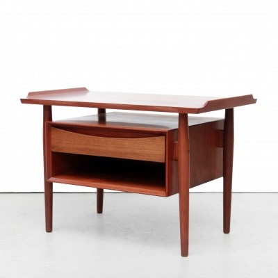 Arne Vodder Danish design bedside table in teak for Sibast