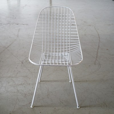 White Eames DKR Wire Chair
