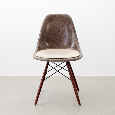DSW dinner chair by Charles & Ray Eames for Herman Miller, 1970s