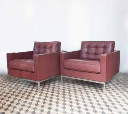 Florence Knoll Relax Lounge Chairs In Aubergine Colored Leather