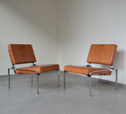 Pair of 20th century modern lounge chairs from the 1960s