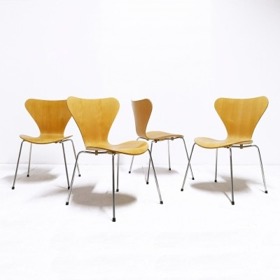 Set of 4 3107 'Butterfly' dinner chairs by Arne Jacobsen for Fritz Hansen, 1990s