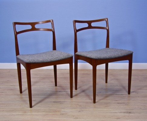 Pair of Model 94 dinner chairs by Johannes Andersen for Christian Linneberg, 1960s
