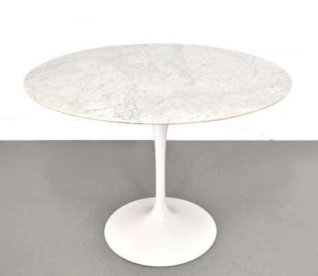 Dining table by Eero Saarinen for Knoll International, 1980s