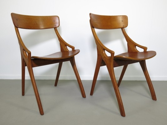 Pair of dining chairs by Hovmand Olsen for Mogens Kold, 1950s