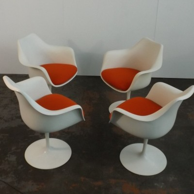 Set of 4 Tulip dinner chairs by Eero Saarinen for Knoll International, 1960s